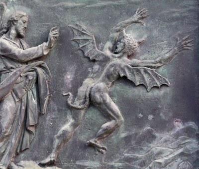 833190-cristo-e-il-diavolo--antico-bassorilievo-pisa-italia